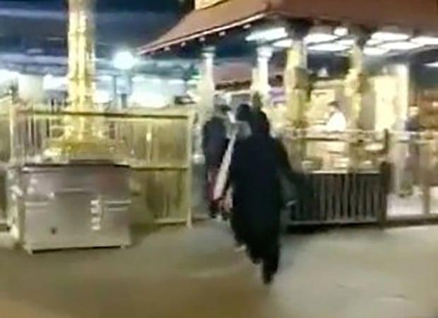 महिलालाई निषेध गरिएको मन्दिरमा झडप, अदालतले दिएको थियो पस्न आदेश