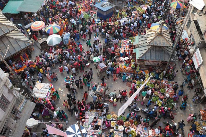 दशैं बजारमा मनोमानी : व्यापारीका अगाडि सरकार निरीह !