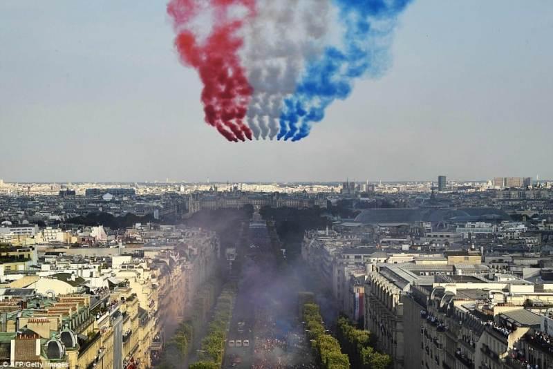फ्रान्स विश्व च्याम्पियन बनेकोमा देशकै उच्च सम्मान, यसरी गरियो स्वागत (फोटोफिचर)