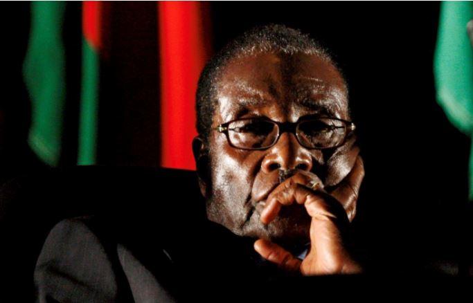 मुगाबेलाई अभियोजन नगरिने शर्तमा राजीनामा दिन लगाइएको खुलासा