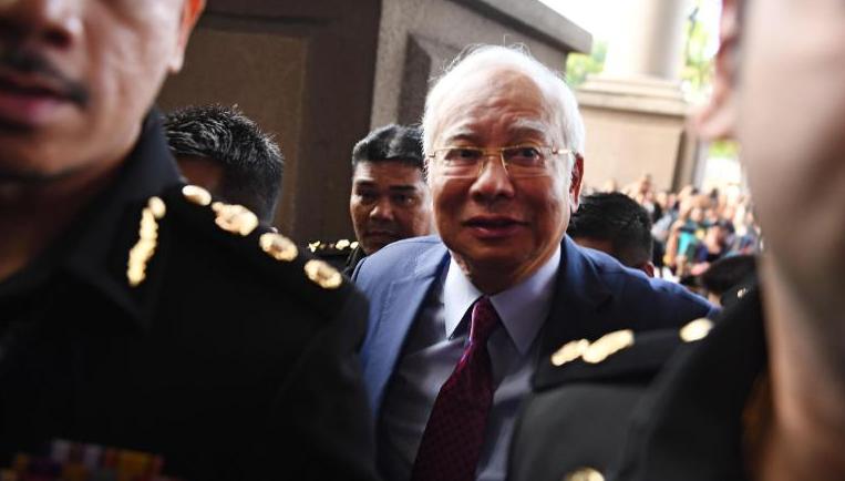मलेसियाका पूर्वप्रधानमन्त्री भ्रष्टाचार गरेको अभियोगमा रजाक पक्राउ