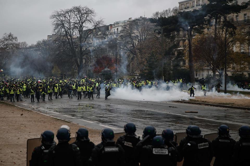 पेरिसमा तनाव : सरकार जनताबाट टाढिनुको परिणाम