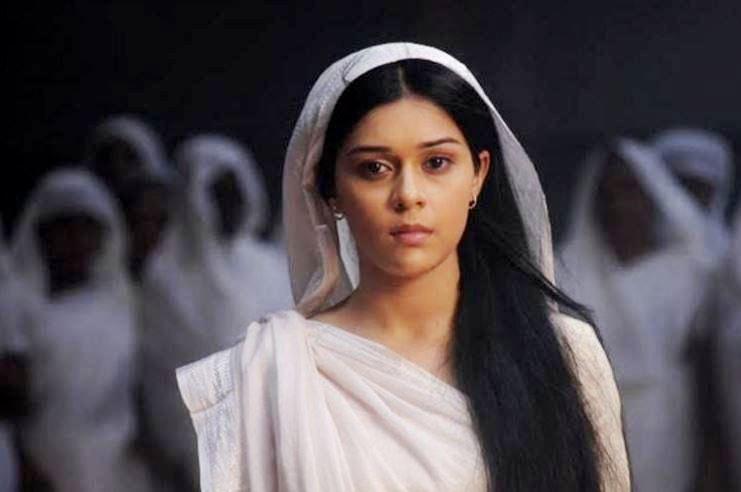 विधवा महिला किन सेतो लुगा लगाउँछन् ? यस्तो छ हिन्दू धर्मको मान्यता