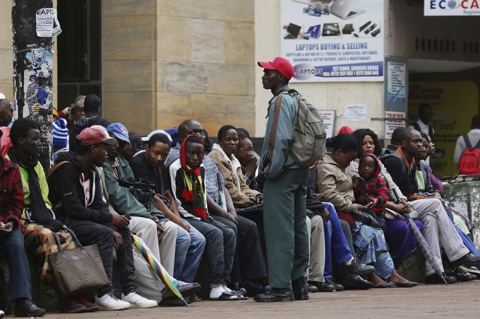जिम्बाबेमा अझै तनाव बढ्ने संकेत, मुगाबेविरुद्ध सडक प्रदर्शन