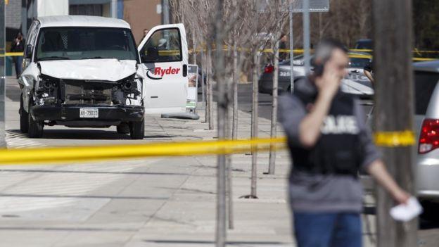 फुटपाथमा भ्यान चलाउँदा १० जनाको मृत्यु