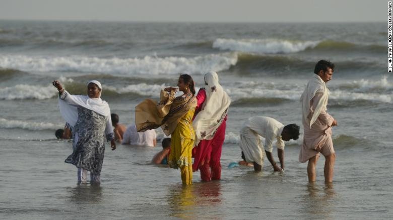 पाकिस्तानमा कडा लू, कम्तीमा ६५ जनाको मृत्यु