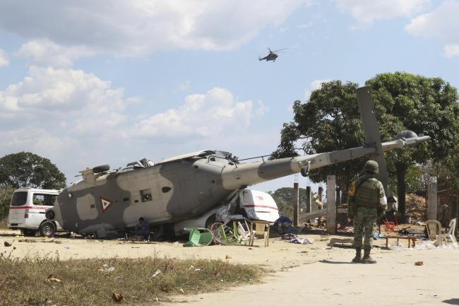 मन्त्री सवार हेलिकोप्टर दुर्घटना हुँदा मेक्सिकोमा १३ जनाको मृत्यु