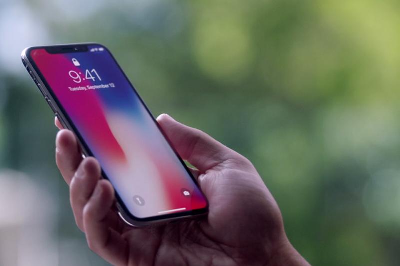iPhone X मा समस्यै समस्या, प्रयोगकर्ता भए हैरान