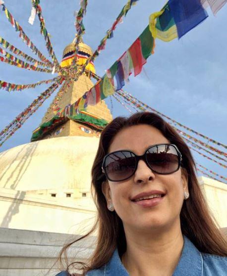 भारतीय अभिनेत्री जुही चावला काठमाडौंमा, गरिन् बौद्धनाथको प्रशंसा