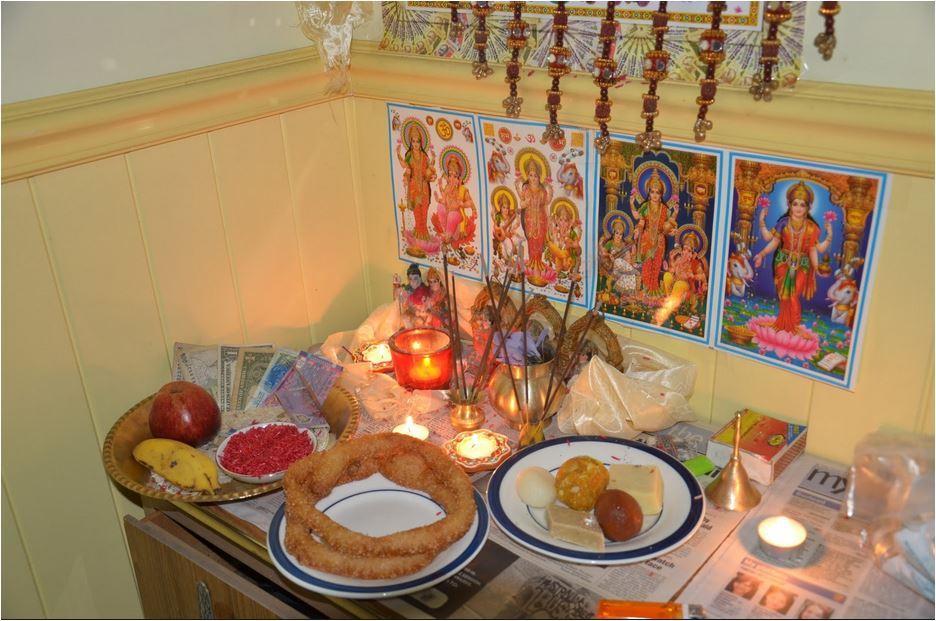 अाज लक्ष्मीपूजा : यसरी गरौं पूजा, यो हो मन्त्र
