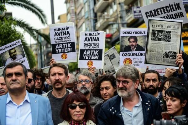 टर्कीका ६ जना पत्रकारलाई आजीवन जेल सजाय