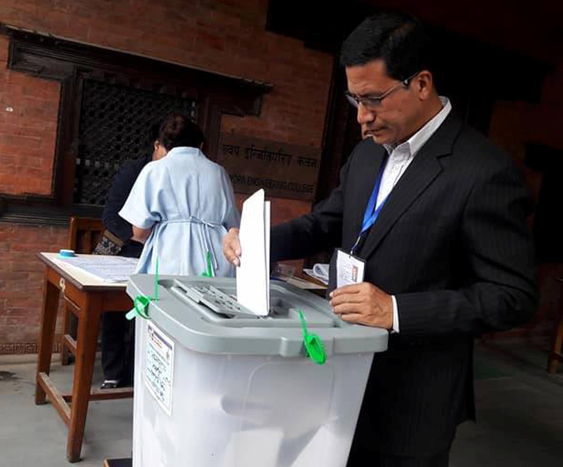 राष्ट्रियसभा निर्वाचनमा स्वस्तिक चिह्नको प्रयोग नहुने, कसरी हुन्छ मतदान ?