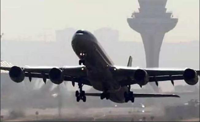 साउदी विमानको आकस्मिक अवतरण, ५३ यात्रु घाइते