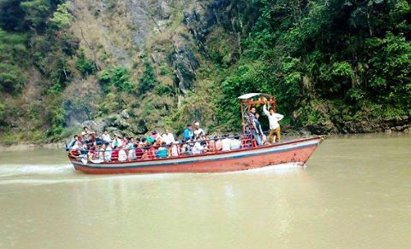 नदीमा पानीकाे बहाब बढेसँगै कालीगण्डकीमा जलयात्रा बन्द