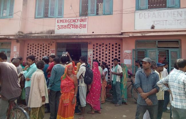 अञ्चल अस्पतालको 'इमरजेन्सी' कक्ष आफैं बिरामी, सेटिङमा बिरामी 'रेफर' [लोकान्तर खोज–३]