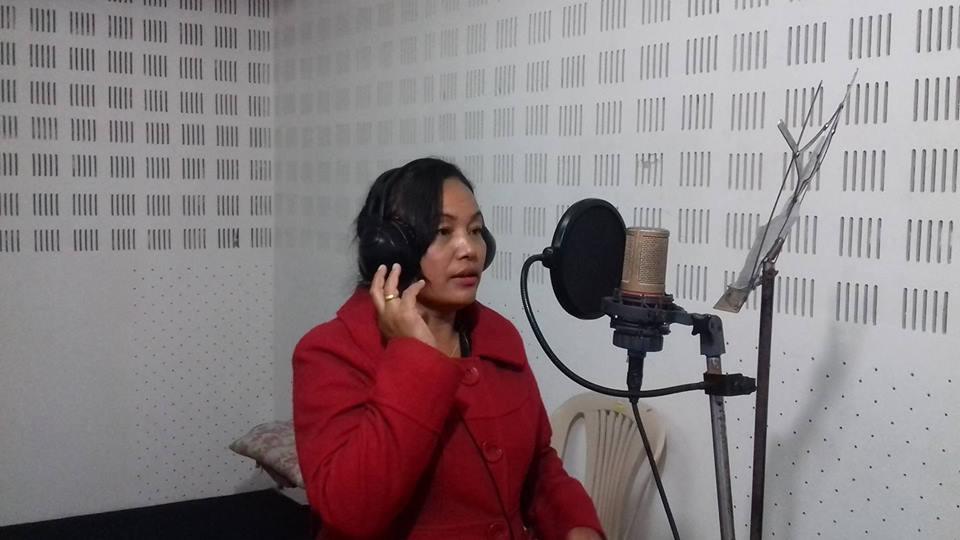 'पैयुँ फुल्दा त्यो लेक लेक..' गीत गाउँदा अहिले पनि आँसु झर्छः निलीमा