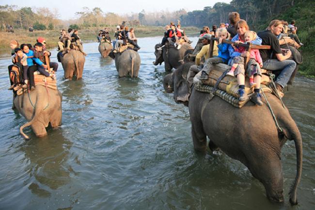 पर्यटन विकासका लागि एमालेले बुझायाे सरकारलाई १६५ सुझाव