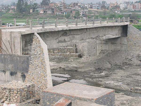 नौ वर्षपछि जयराम पुल सञ्चालन, बल्ल खुल्यो खोटाङमा समृद्धिको बाटो