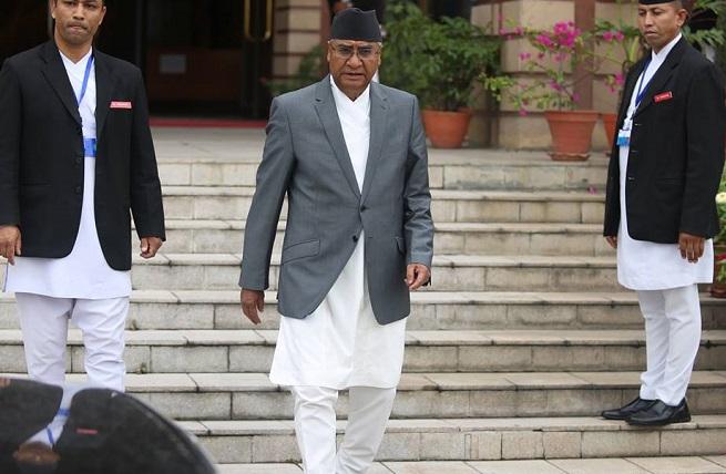 प्रसङ्गमा प्रधानमन्त्रीको भारत-भ्रमण  :  सन्तुलन खल्बलिने खतरा