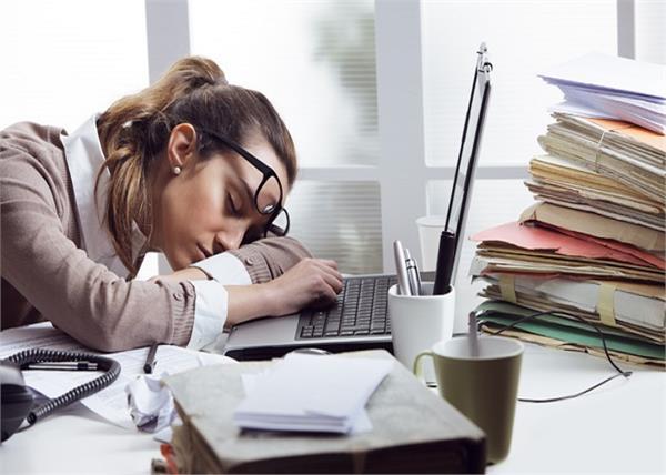 भरपूर निद्रापछि पनि थकाइ लागेको जस्तो हुन्छ भने यो उपाय अपनाउनुस्