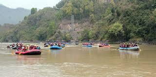 त्रिशूली नदीमा१६औँ जलखेलकुद प्रतियोगिता हुदै