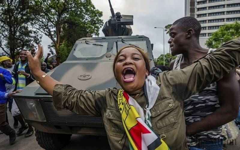 रोबर्ट मुगाबेको राजीनामापछि जिम्बाब्वेवासीहरू खुशी