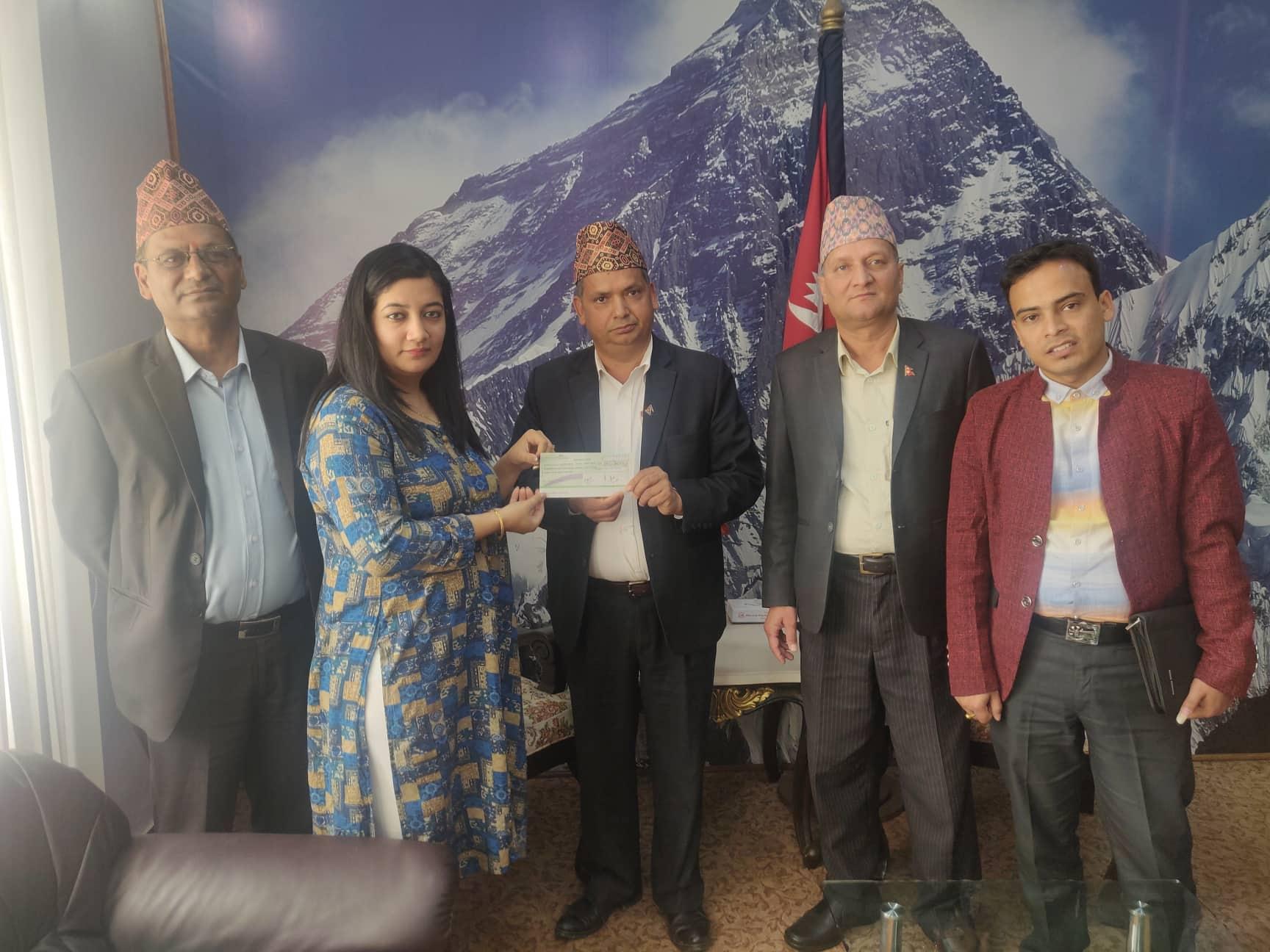 सिटिजन्स बैंकद्वारा प्रधानमन्त्री प्रकोप उद्धार कोषमा १० लाख ३७ हजार रुपैयाँ जमा