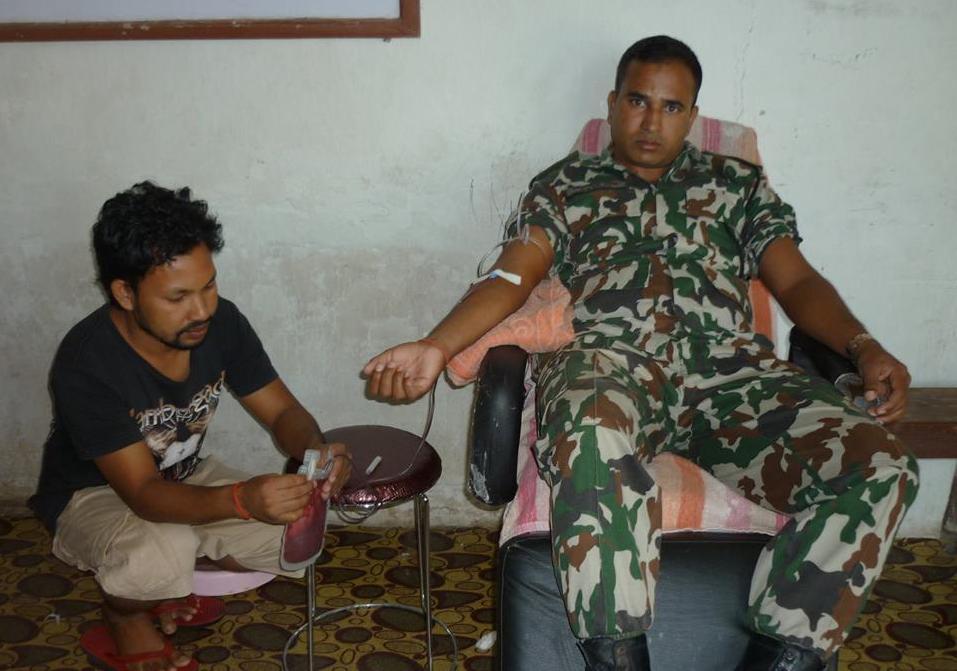 ब्लड बैंकको रुपमा सेना र प्रहरी
