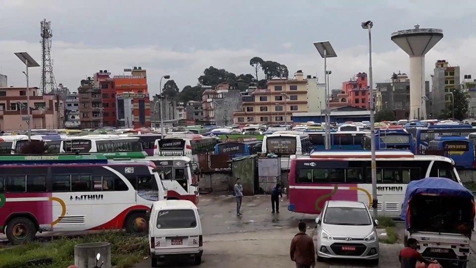 सुनसान हुँदै काठमाडौँ : आज सबैभन्दा बढी तीन लाख ४५ हजार यात्रु बाहिरिए