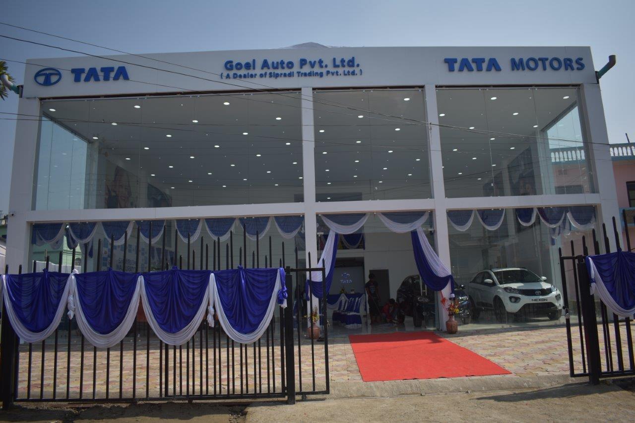 टाटा मोटर्सको विराटनगरस्थित नयाँ शोरुमको उद्घाटन