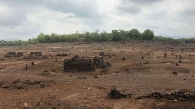 वर्षको एक महिना पानीभित्रबाट प्रकट हुने गाउँ