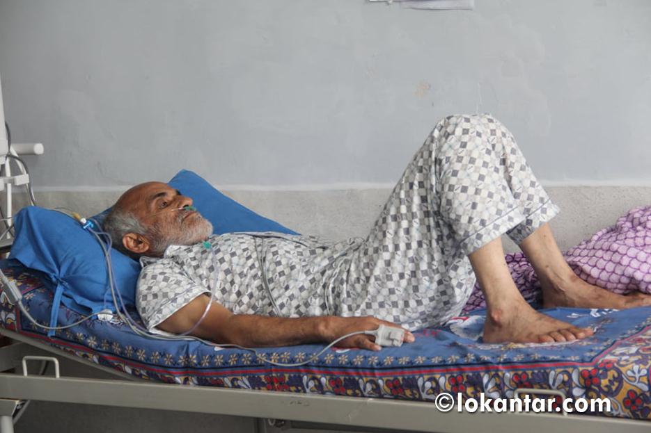अनशनरत डा. केसीको उपचारका लागि मोबाइल भेन्टिलेटर सहित विशेषज्ञ चिकित्सक टोली इलाम प्रस्थान