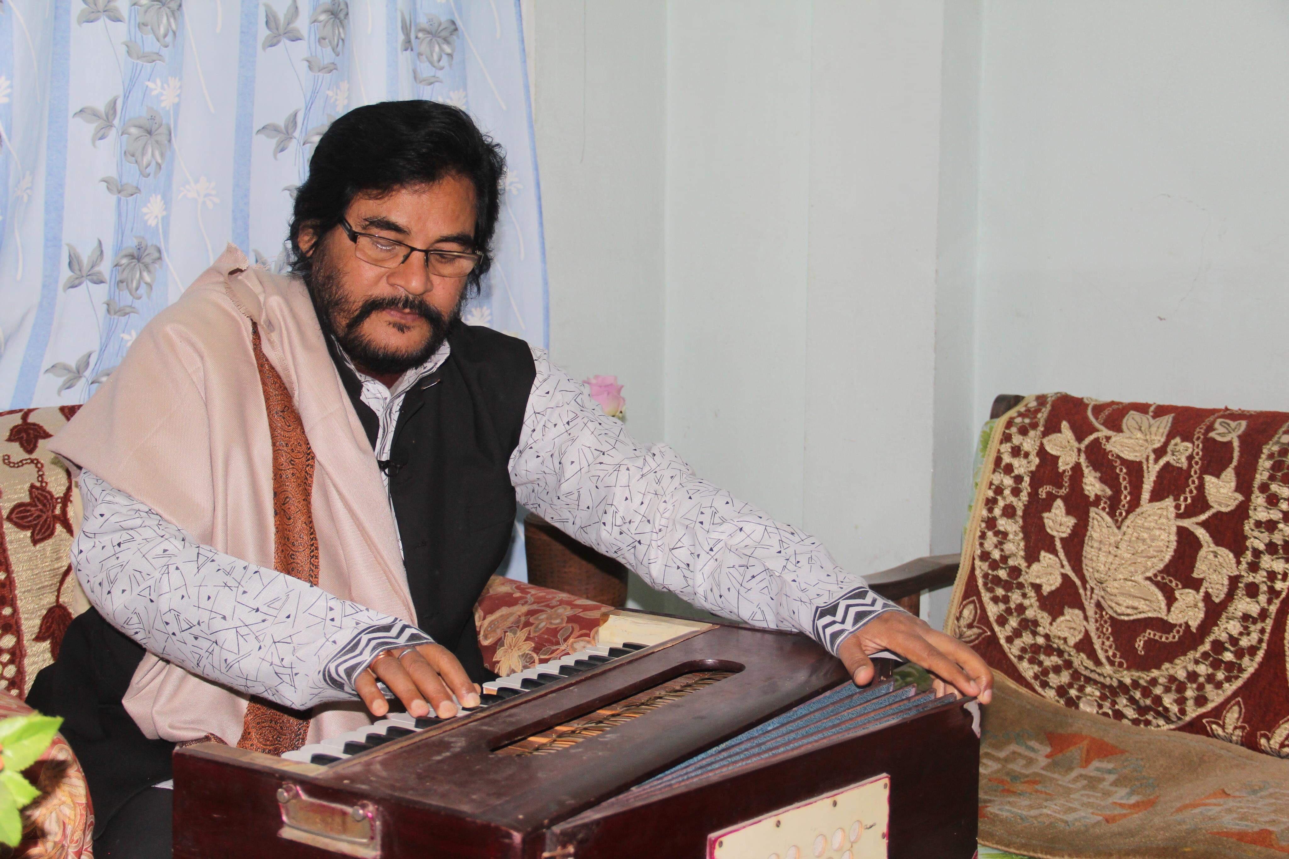 'निष्ठुरीलाई माया गरी' गीत राजेशपायलको होइन, मेरो हो : मुरलीधर [भिडियो अन्तर्वार्ता]