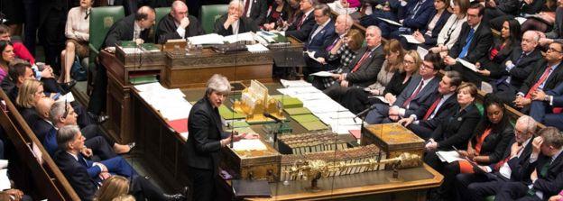 ब्रेक्जिटमा भइरहेको किचलोका लागि सांसदहरू दोषी रहेको प्रधानमन्त्री मेको आरोप