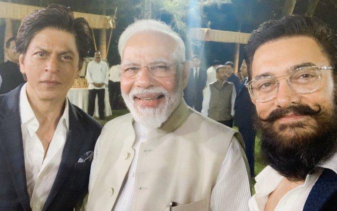 मोदीसँग आमिर र शाहरुखको सेल्फी
