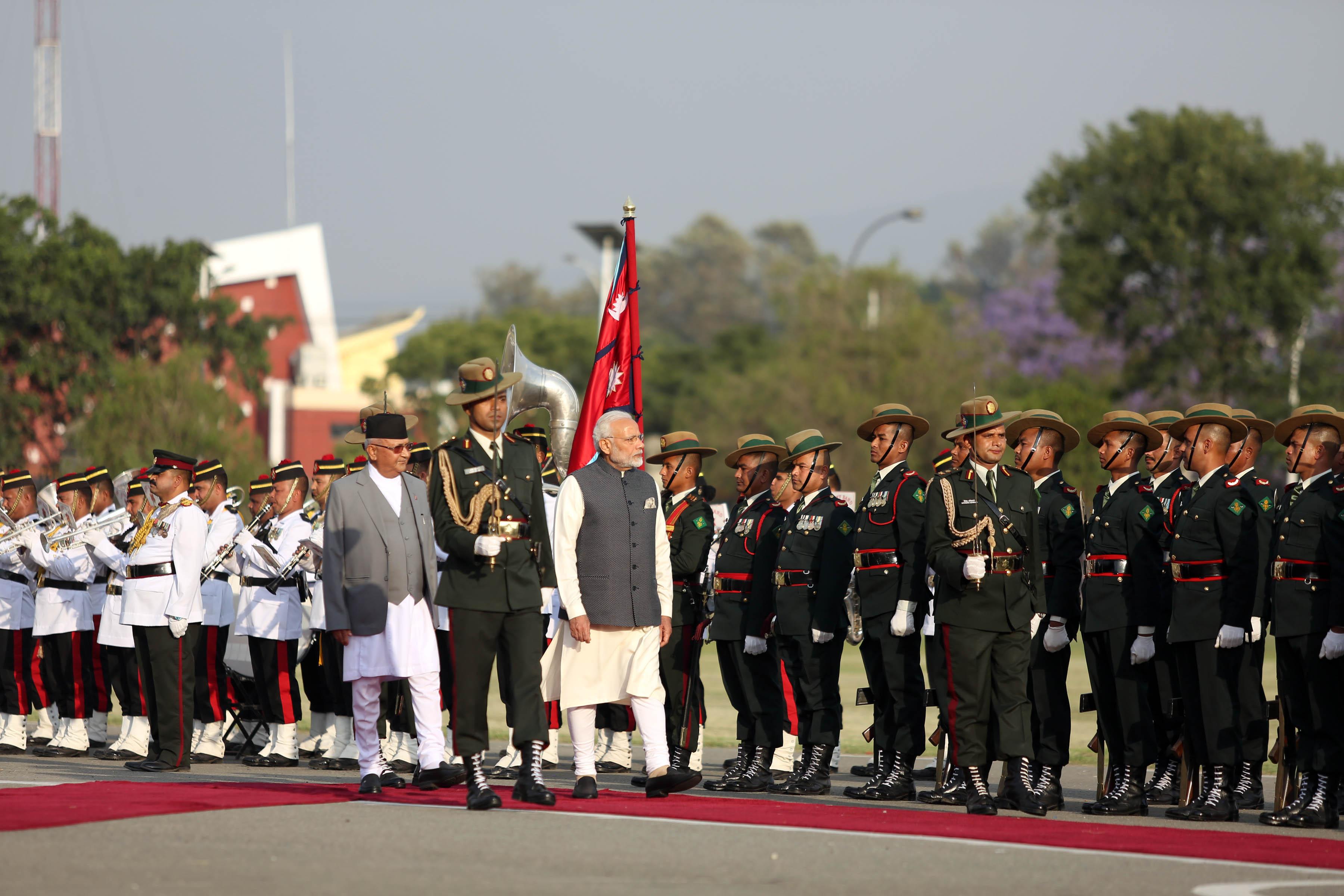 नेपालमा गार्ड अफ अनर लिँदै मोदी