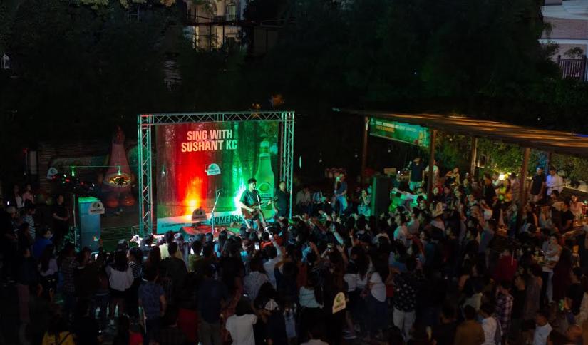 सोमर्स्वीद्वारा आयोजित 'सिङ विद् सुशान्त' मा झुमे दर्शक