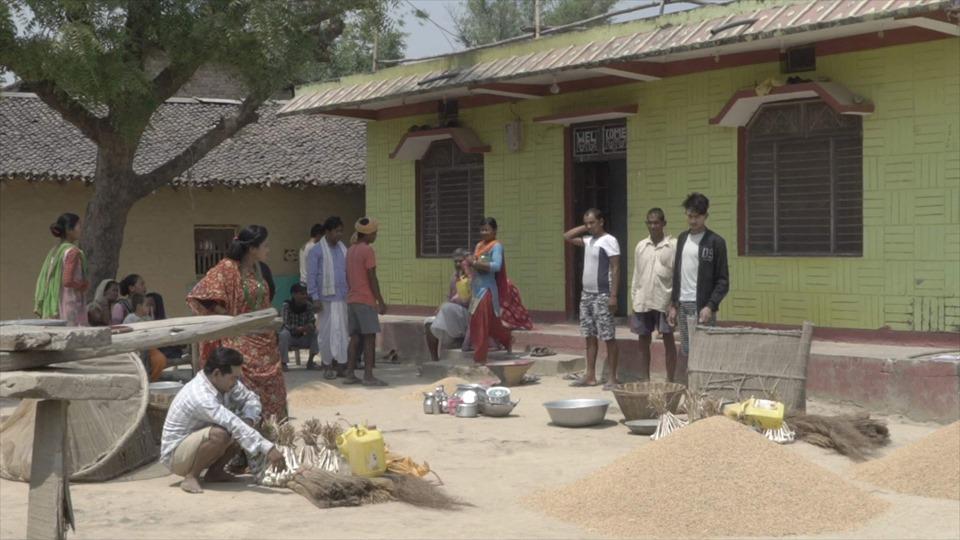 थारु फिल्म गोटियार : 'भाई फुटे गँवार लुटे'