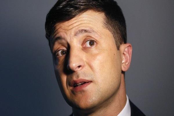 युक्रेनका राष्ट्रपतिमाथि ३६ सय रुपैयाँको जरिवाना
