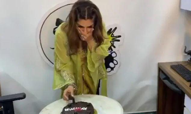 जन्मदिन आउनु पूर्व नै रविना टन्डनले गरिन् 'सेलिब्रेट' (भिडियोसहित)