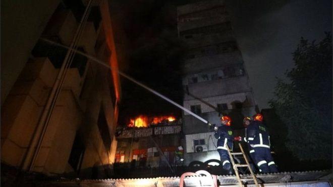 बांग्लादेशमा भएको आगलागीमा मृत्यु हुनेको संख्या ७० पुग्यो, आगो नियन्त्रणमा