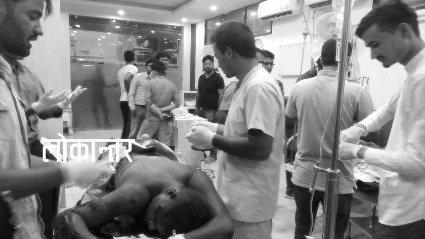 धनगढी बम विस्फोटः घाइतेको शरीरका अधिकांश भाग जलेको अवस्थामा अस्पतालमा (फोटोफिचर)