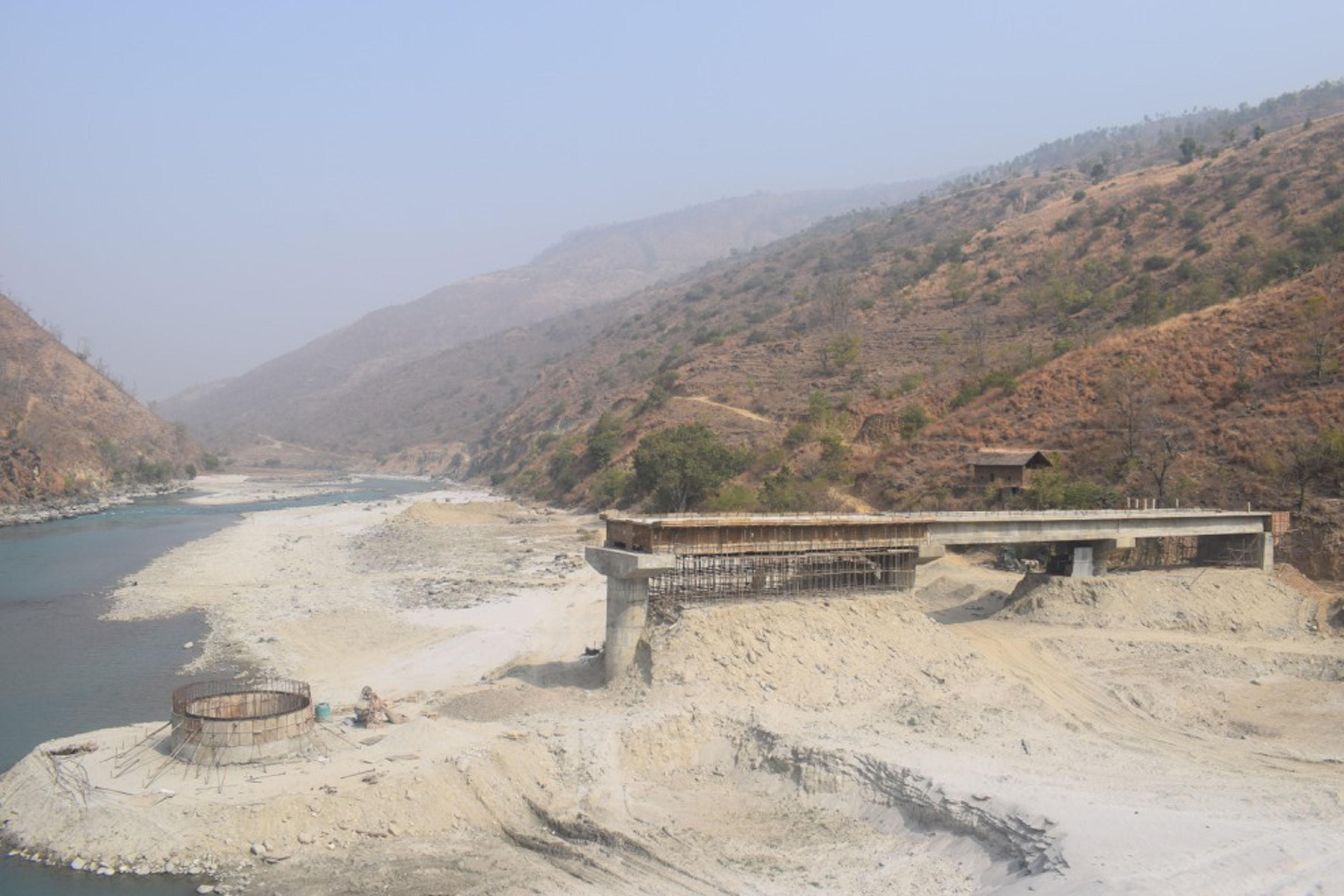 कालीगण्डकीमा रोकिएका पक्की पुल निर्माण शुरु गरिने