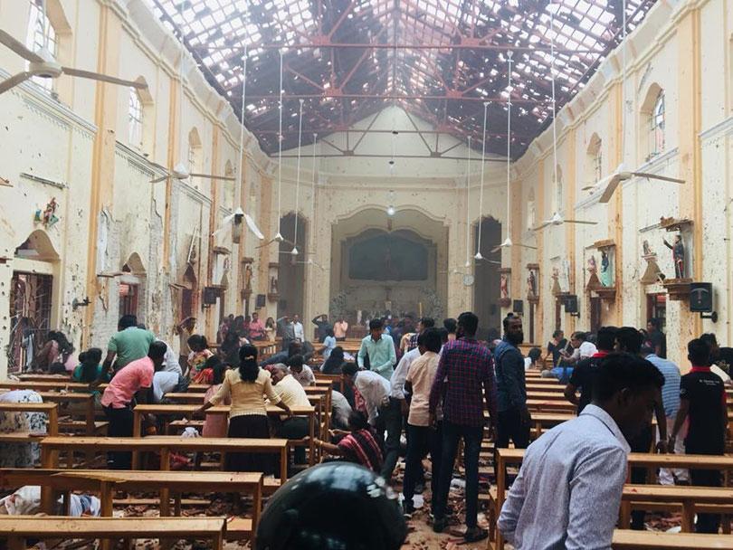 श्रीलंकामा दिनभर विस्फोट, सामाजिक सञ्जालमा अस्थायी प्रतिबन्ध