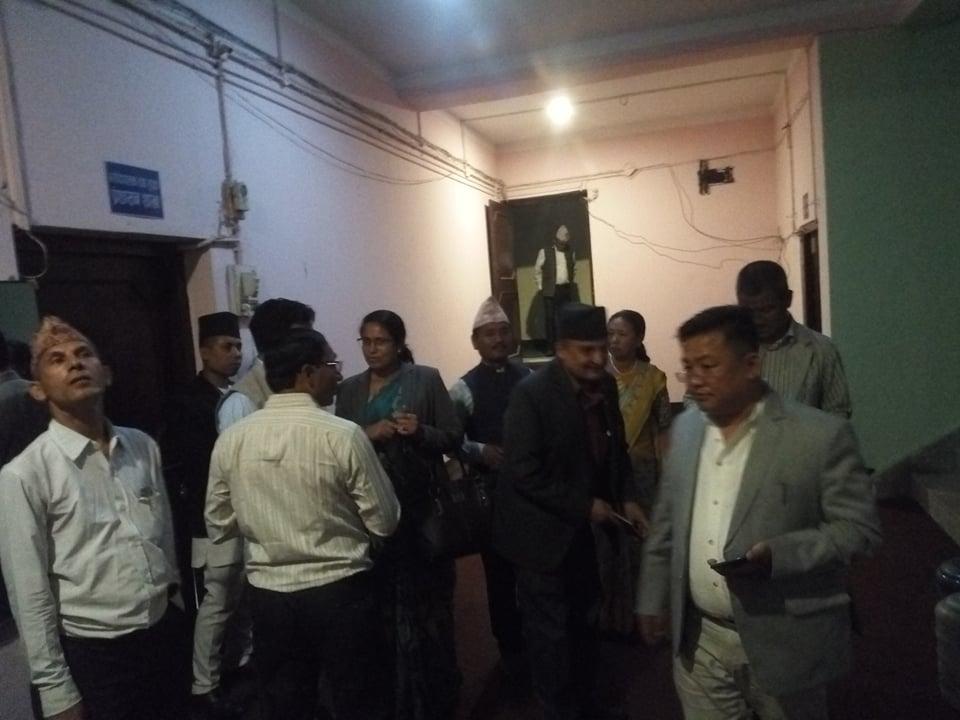 नेकपा संसदीय दलको बैठक : वैशाख २२ गतेसम्म प्रदेशले नाम र स्थायी राजधानी पाउने