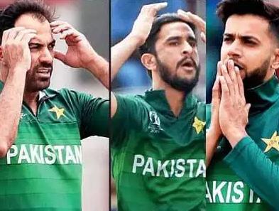 विश्वकपमा भारतसँग हारेपछि पाकिस्तानी खेलाडीहरूले गरे झगडा !