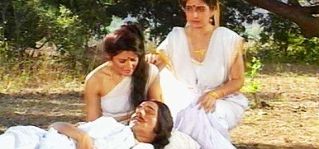 पत्नीसँग आलिंगन गर्नासाथ भएको थियो राजा पाण्डुको मृत्यु