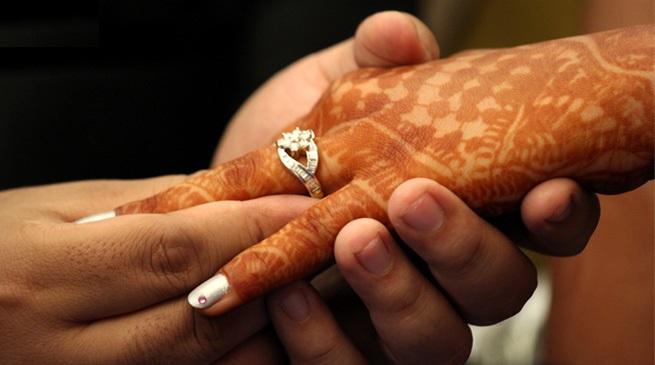 विवाहमा साइँली औंलामा किन लगाइन्छ औंठी ?