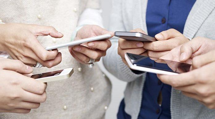 फोनको रेडियसले स्वास्थ्यमा प्रतिकूल प्रभाव, यी हुन् रेडियस बढी हुने र कम हुने फोनसेट
